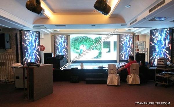 Toàn Trung là đơn vị cung cấp màn hình led indoor hàng đầu hiện nay và cam kết giá cạnh tranh