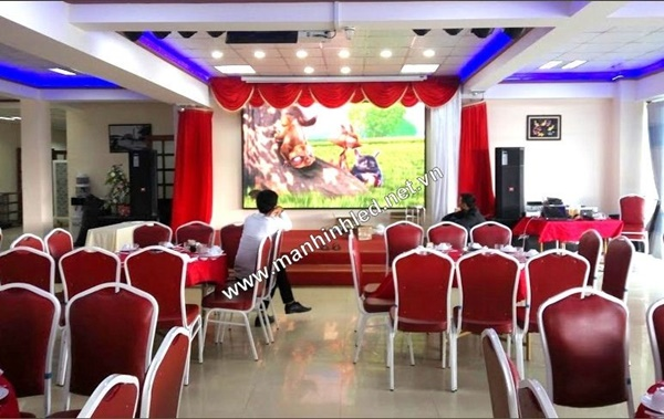Toàn Trung lắp đặt màn hình led cho nhà hàng Sơn Phát